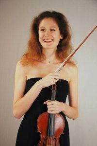 dédicataire et créatrice du concerto pour violon et orchestre à cordes